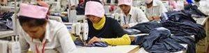 Japón quiere mejorar condiciones laborales.