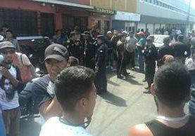 Vecinos se organizaron y lincharon a dos presuntos sicarios en distintas zonas de la capital. (Foto Prensa Libre: Estuardo Paredes)