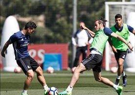 Bale volvió a trabajar sin problemas y podría estar en el clásico del domingo contra el Barcelona. (Foto Prensa Libre: Real Madrid)
