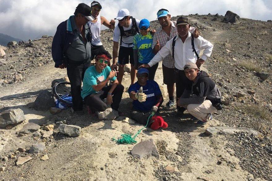 Pérez y su equipo realizaron la travesía en 16 horas continuas, porque el tipo de lugar no permitía acampar. (Foto Prensa Libre: Facebook JC Pérez)