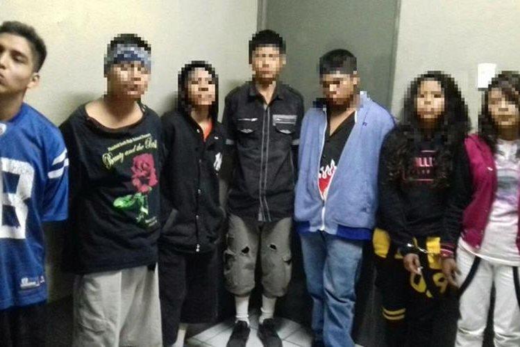 Seis adolescentes fueron remitidos por la Policía Nacional Civil, cuando planificaban un ataque armado en contra de integrantes de una pandilla rival. (Foto Prensa Libre: Cortesía).