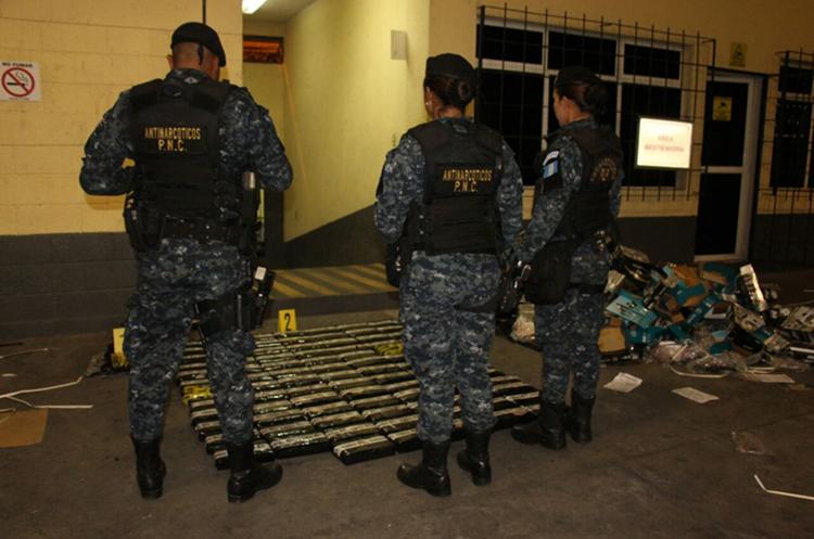 La embarcación con droga partió de Puerto Balboa, Panama. (Foto: PNC)