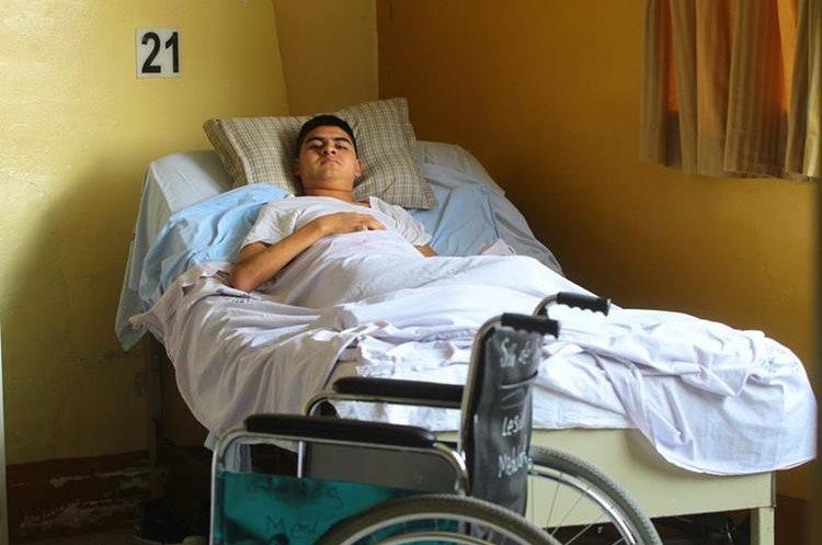 Oliver Díaz quedó parapléjico por el accidente.(Prensa Libre: Álvaro Interiano)