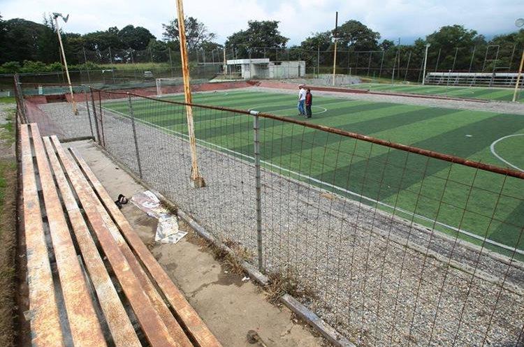 El área cuenta con una cancha sintética para futbol siete. (Foto Prensa Libre: Álvaro Interiano)