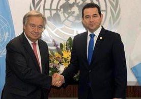 António Guterres y Jimmy Morales sostuvieron una reunión el 25 de agosto en la sede de la ONU. (Foto Prensa Libre: Hemeroteca PL)