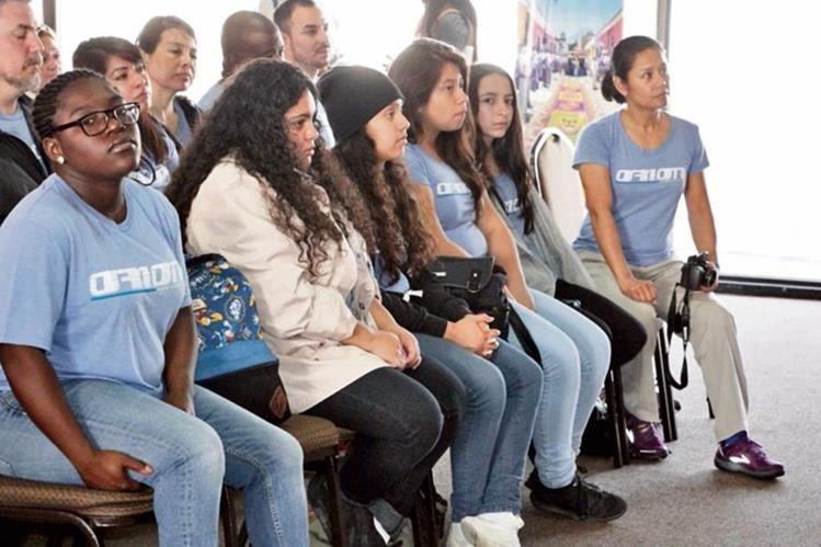 voluntarios son de EE. UU., Dubái, Kenia, Nepal, Reino Unido, Jordania, Australia y nacionales residentes en EE. UU.