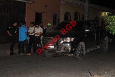 Sujetos armados dan muerte a hombre en Escuintla. (Foto Prensa Libre: Enrique Paredes)