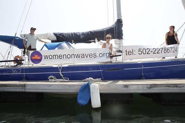 El Comando Naval del Pacífico escoltó fuera de aguas territoriales al velero &ldquo;Adelaide&rdquo;&nbsp; de la ONG &ldquo;Mujeres sobre las Olas&rdquo;<br /> (Foto Prensa Libre: Hemeroteca PL)