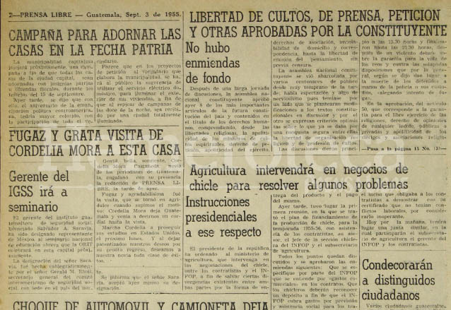 Página de la edición de Prensa Libre del 3 de septiembre de 1955 donde se hacía referencia a la aprobación de parte del nuevo texto constitucional. (Foto: Hemeroteca PL)
