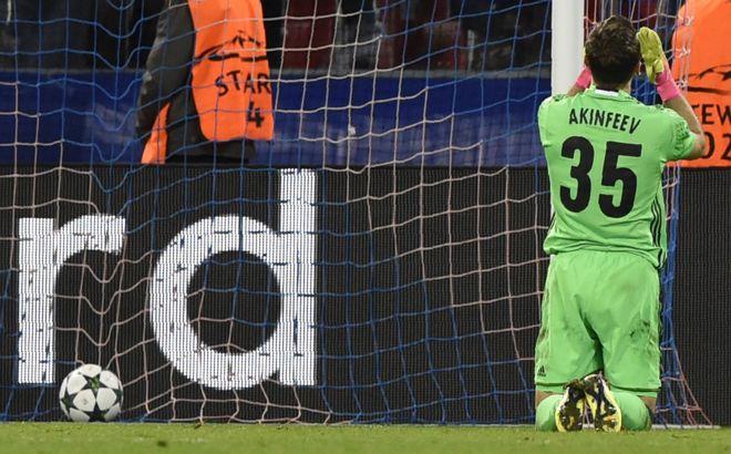 Akinfeev ha recibido un gol en sus últimos dos partidos: en el minuto 71' contra Tottenham (foto) y 87' frente a Mónaco. (Getty Images)