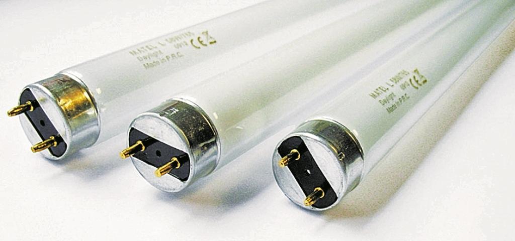 Los tubos de neón son una opción  económica para iluminar grandes espacios. La versión LED economiza energía. (Foto Prensa Libre: Hemeroteca PL)
