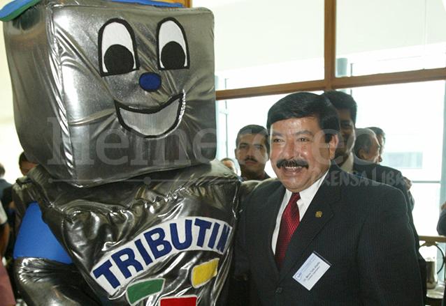 Marco Tulio Abadío Molina en un evento como Superintendente de Administración Tributaria. (Foto: Hemeroteca PL)