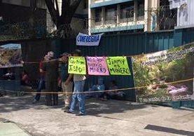 """""""Jimmy es minero"""", dice un cartel que hace alusión al presidente Jimmy Morales. (Foto Prensa Libre: Tomada de Facebook)"""