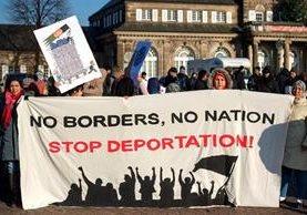 Migrantes teman ser deportados por el Gobierno de Donald Trump. (Foto Prensa Libre: AP)
