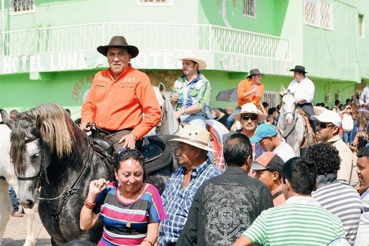 Rubelio Recinos no obtuvo finiquito de la Contraloría General de Cuentas, por lo que recurrió a un juzgado para lograr su inscripción de candidato a alcalde de Barberena, Santa Rosa. (Foto Prensa Libre: Oswaldo Cardona)