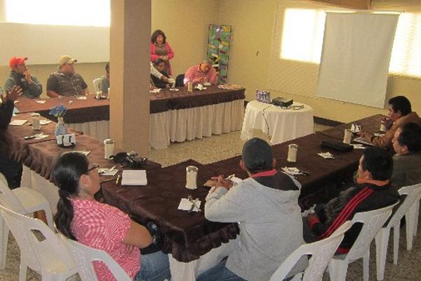 Reunión en Sololá, donde se presentaron resultados de los casos de desnutrición crónica.