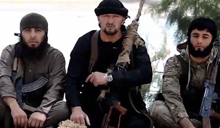 Gulmurod Jalímov, (c) nuevo jefe militar del Estado Islámico aparece en un video de propaganda del EI. (Foto Prensa Libre:EFE)
