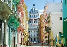 La Habana Vieja es uno de los destinos más apetecidos por turistas extranjeros. (Foto Prensa Libre: internet)