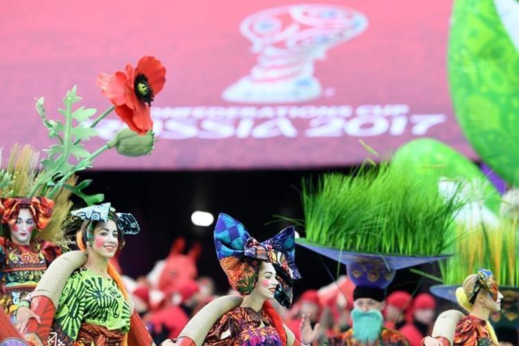 A un año del Mundial, Rusia se prepara con la organización de la Copa Confederaciones 2017, que arrancó hoy. (Foto Prensa Libre: AFP)