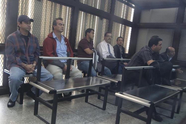 Implicados en el caso IGSS Pisa, el día de su captura. (Foto Prensa Libre: Hemeroteca PL)