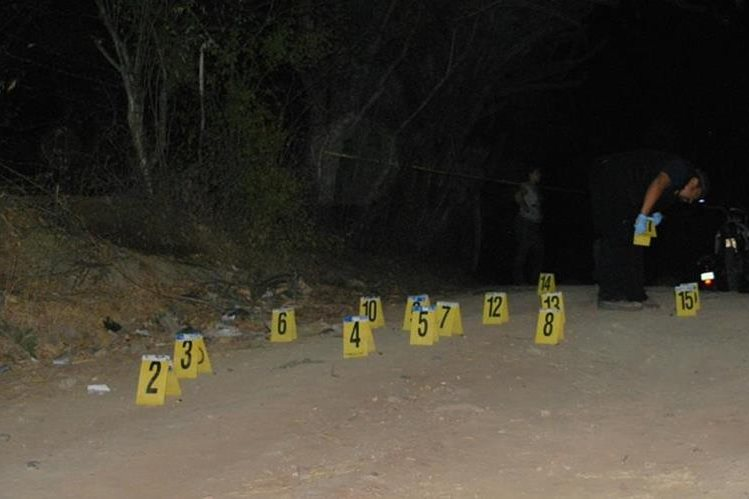 Lugar donde murió baleado Donald Cordón, en Zacapa. (Foto Prensa Libre: Víctor Gómez).