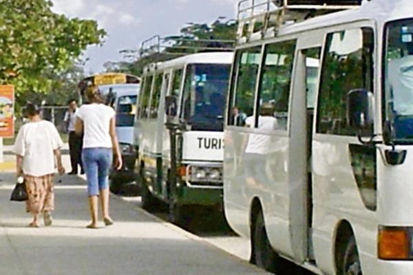 HASTA mayo había inscritas en el Inguat 442 empresas de transporte turístico, que representa 953 unidades.