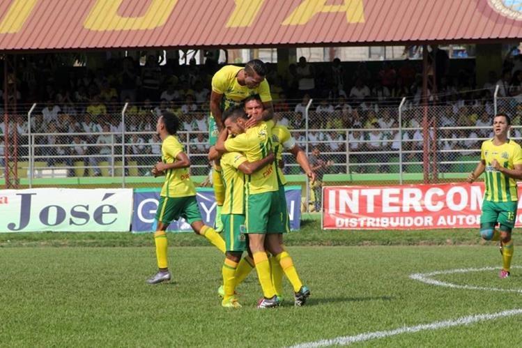Guastatoya dio la alegría a su afición esta tarde en el David Cordón Hichos. (Foto Prensa Libre: Hugo Oliva)