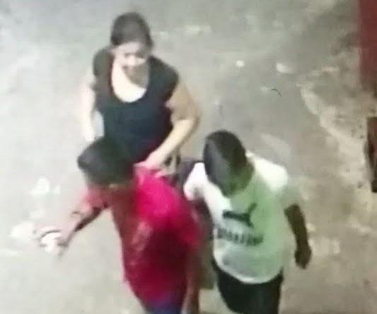 Sujetos grabados en video robaron objetos de valor en una estación de bomberos de Esquipulas, Chiquimula. (Foto Prensa Libre: Mario Morales)