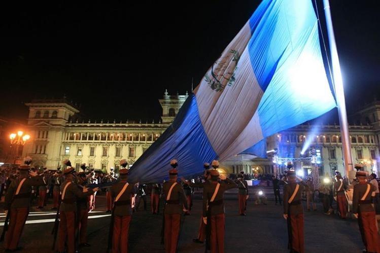 Conmemoración de la gesta de Octubre de 1944 en la Plaza de la Constitución, en octubre de 2015. (Foto: Hemeroteca PL)