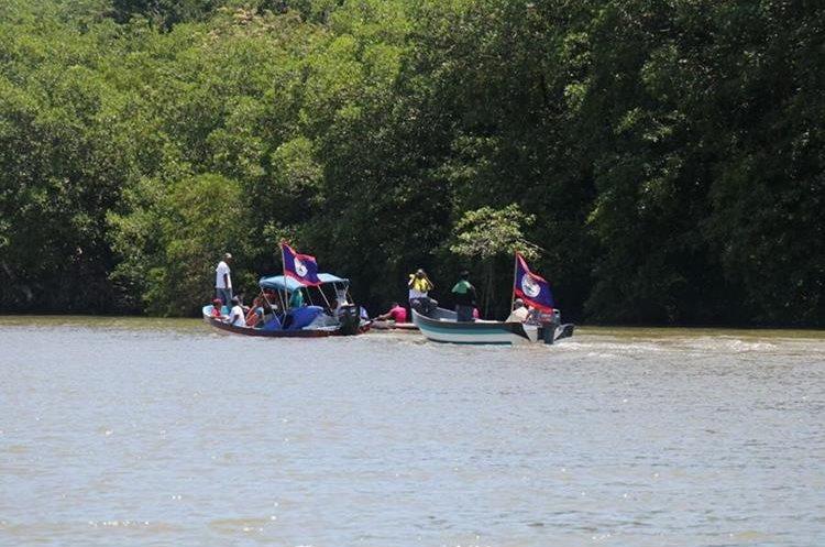 Un grupo de beliceños intentó apoderarse de un islote en el río Sarstún, Livingston, Izabal; pero el Ejército lo evitó. (Foto Prensa Libre: Dony Stewart)