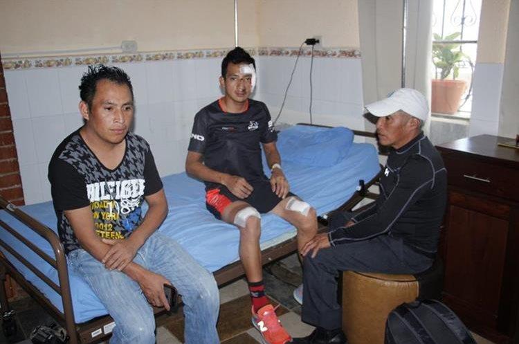 Celso Ajpacajá se vio afectado por el accidente del viernes pasado. (Foto Prensa Libre: Víctor Chamalé)
