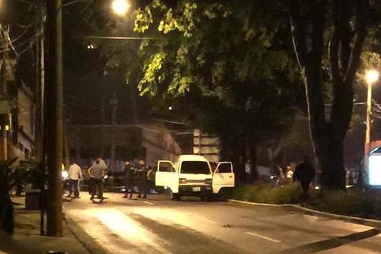 Bomberos Voluntarios indicaron que un agente de la policía fue herido en Guajitos. (Foto Prensa Libre: Cortesía CVB)