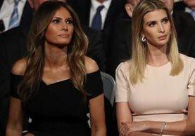 Trump está la mayor parte del tiempo rodeado de mujeres atractivas y delgadas, como su esposa Melania (izq.) y su hija Ivanka, vistas en el reciente debate presidencial. (Foto Prensa Libre: AFP).