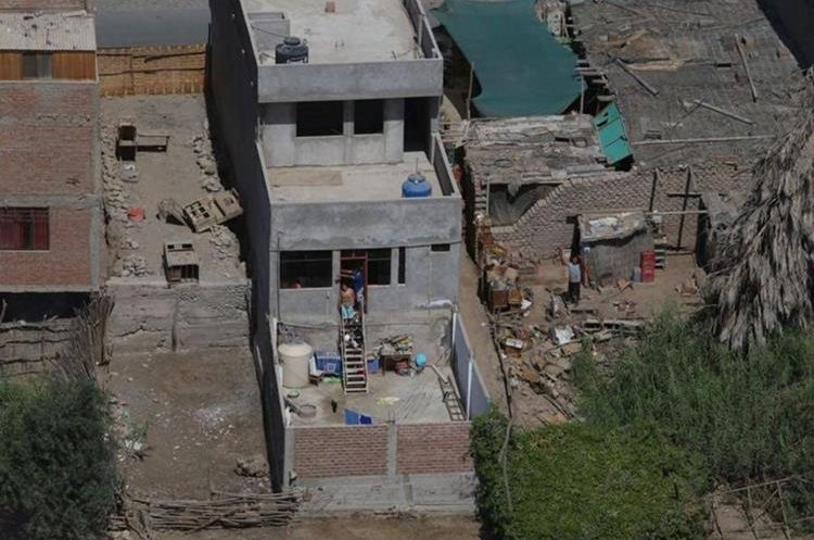 Vista aérea en la zona afectada por el sismo en Arequipa, Perú.(EFE).