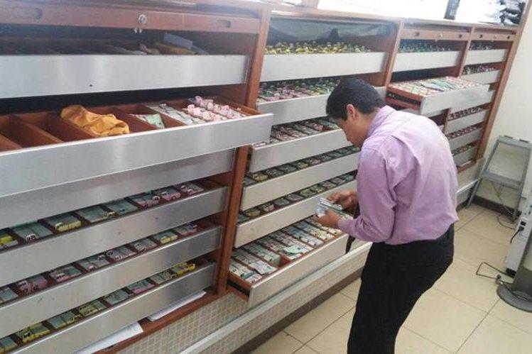 IGSS posee 21 mil 24 carnés para entregar a los afiliados (Foto Prensa Libre: Hemeroteca PL)