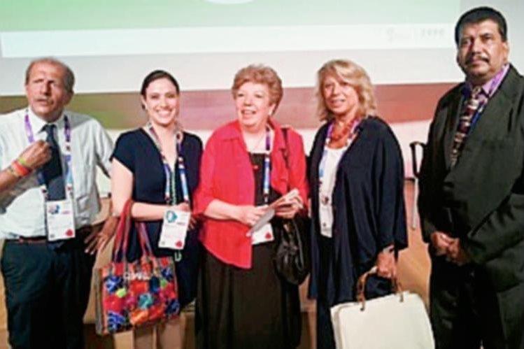 Representantes de Anacafé reciben premio en Italia. (Foto Prensa Libre: Cortesía)