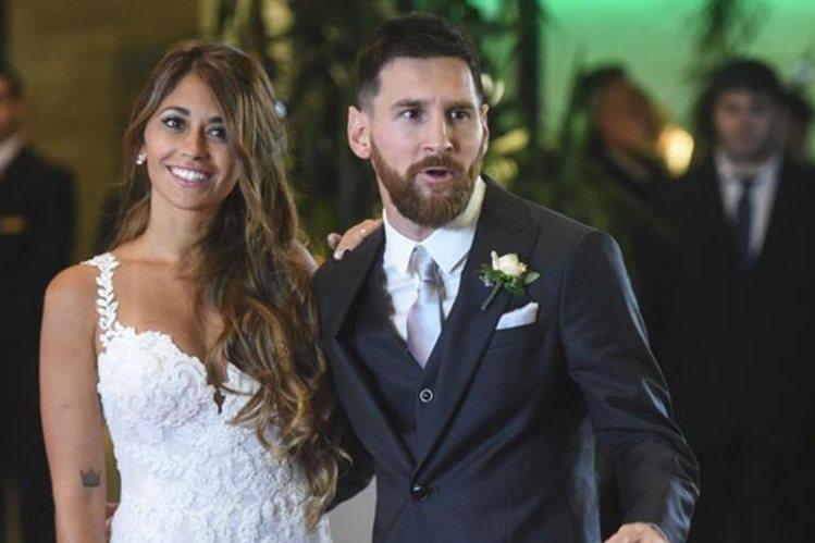 Lionel Messi y Antonella Roccuzzo, durante su boda en Rosario, Argentina. (Foto Prensa Libre: Hemeroteca PL)