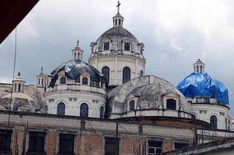 La catedral es un monumento muy apreciado por los quetzaltecos. (Foto Prensa Libre: Carlos Ventura)