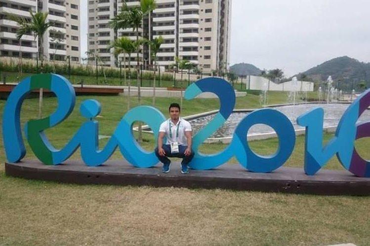 José Ramos disfruta de su estancia en Río antes del inicio de las competencias. (Foto Prensa Libre: Facebook José Ramos)