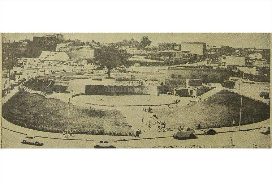 Vista de la Plaza Bolívar ubicada en la 18 calle y 4a. avenida zona 1.(Foto: Hemeroteca PL).