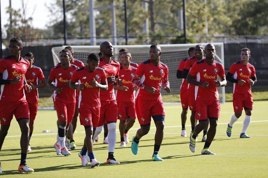 La selección de fútbol de Panamá entrenó en el campo de la Universidad de Florida Central en Orlando. (Foto Prensa Libre: EFE)