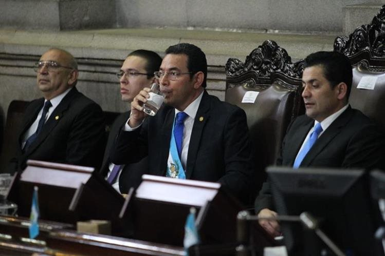 El presidente Jimmy Morales ha sido beneficiado con Q450 mil por un bono de responsabilidad otorgado desde hace nueve meses. (Foto Prensa Libre: Érick Ávila)