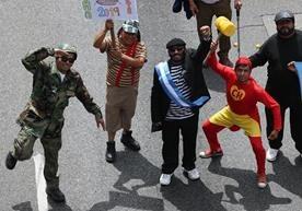 Sidicalistas marchan con distintas consignas en el día del trabajo