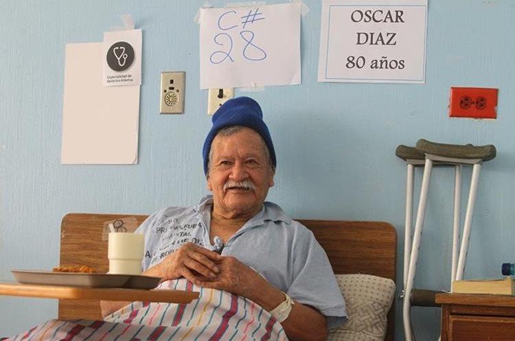 Don Óscar Díaz lleva varios meses viviendo en el hospital.