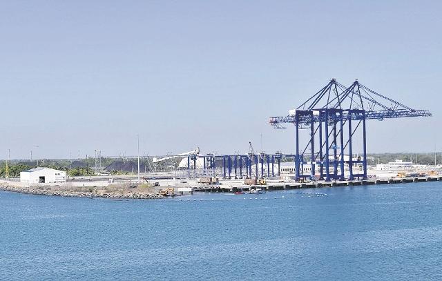 Las instalaciones de TCQ en Puerto Quetzal están terminadas listas para empezar a funcionar. (Foto Prensa Libre: Hemeroteca PL)