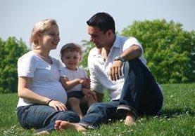 La familia debe aprovechar cada momento de sus actividades diarias para compartir sus intereses. (Foto Prensa Libre: tomada de mamapsicologainfantil.com)