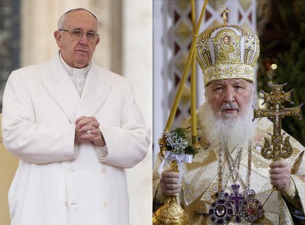 """<span class=""""hps"""">El patriarca ortodoxo ruso</span> <span class=""""hps"""">Kiril</span><span>,(d)</span><span> y el papa Francisco se reunirán en Cuba.</span>"""