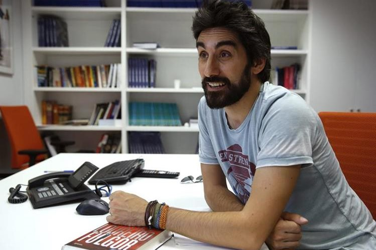 El escritor español Manel Loureiro publicó su novela Fulgor. (Foto Prensa Libre: EFE)