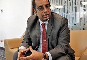 Mauricio Acevedo, gerente general de Trecsa, aseguró que la inversión no corre riesgo. (Foto Prensa Libre: Paulo Raquec)