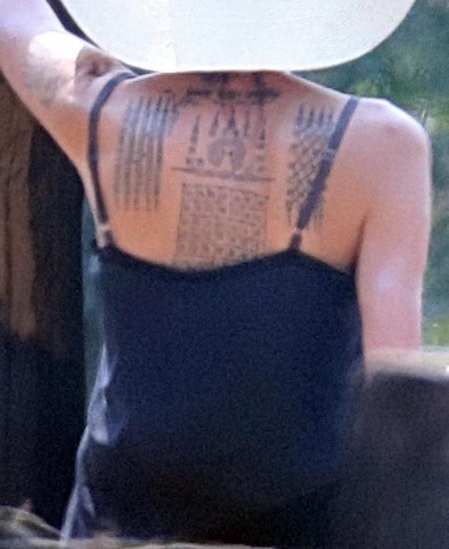 La actriz tiene tres nuevos tatuajes en la espalda. (Foto Prensa Libre: Hemeroteca PL)